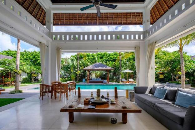 Villa Eva 4 BR