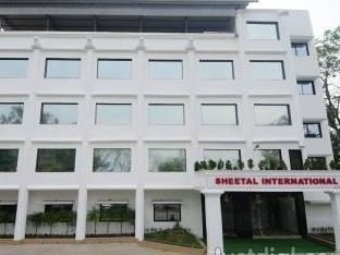 Фото отеля Hotel Sheetal International Rain Basera