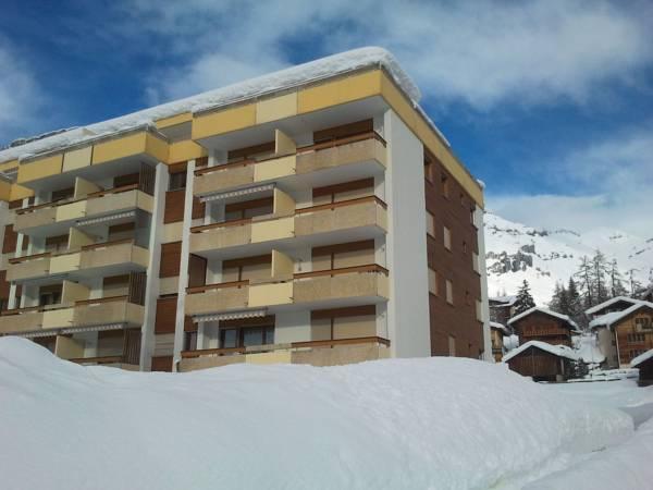 Baron   Baronesse Apartments