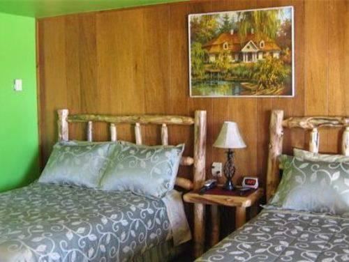 Long Holiday Motel
