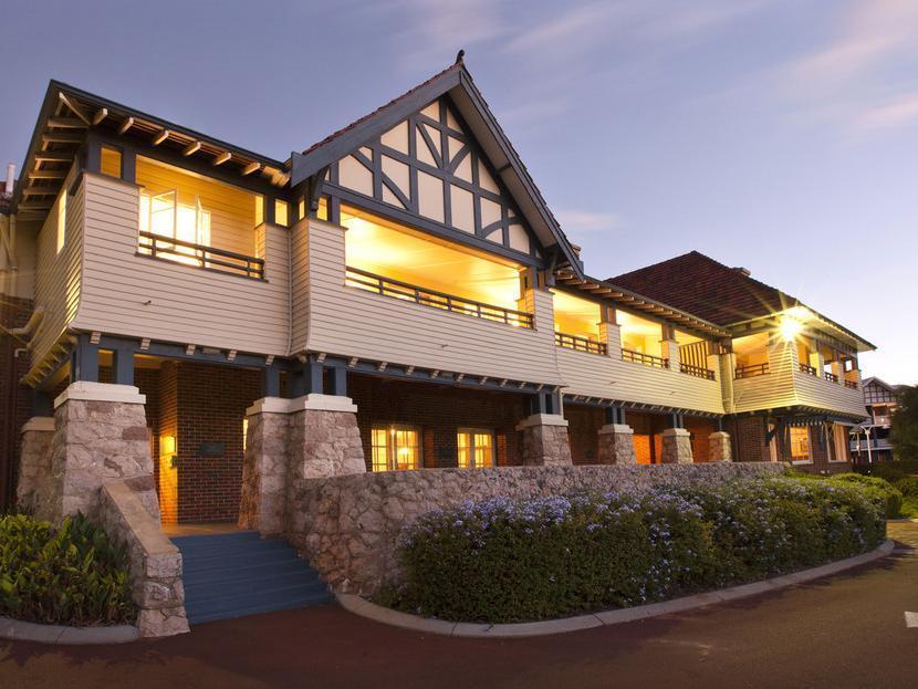 Yallingup Caves House Hotel