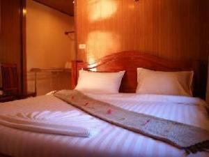 Dome Lay Beach Resort