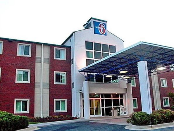 Motel 6 Newport TN