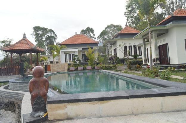 #1 Villa Jempana Kintamani -Front Lake Double Room