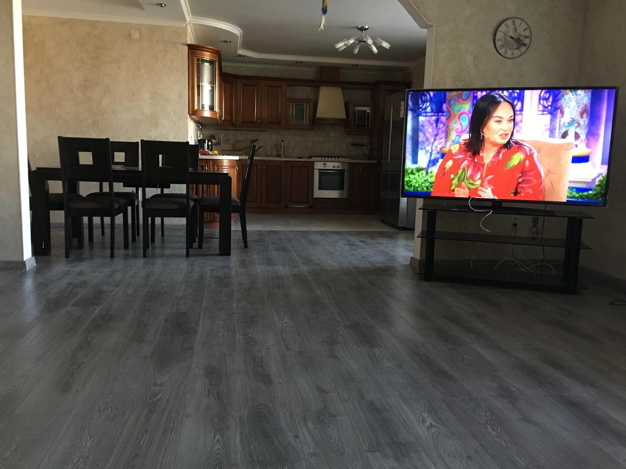 Beatiful Modern Large Flat