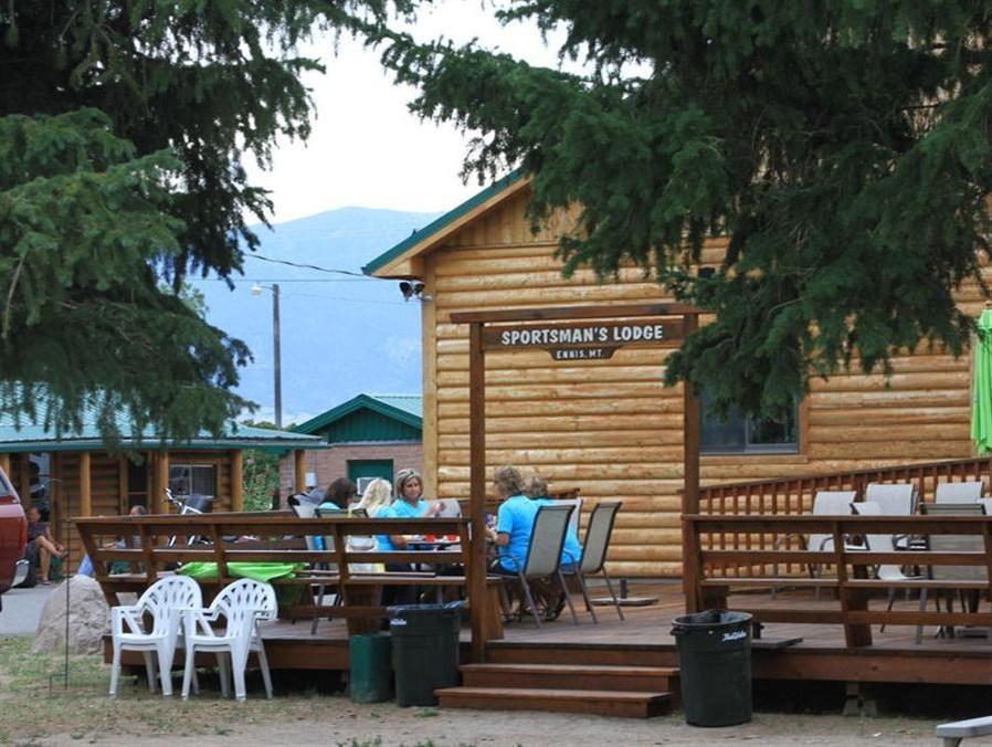 The Sportsmans Lodge