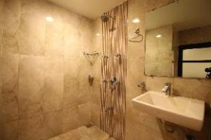 Hotel La 365 Residency
