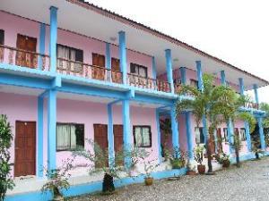 Tawanron Resort