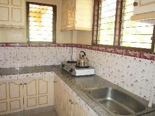 picture 5 of Roselas Apartelle