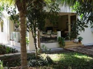 Hotel Mango Farm House