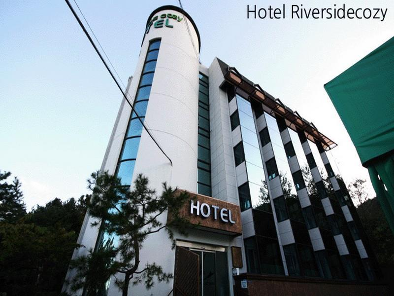Hotel Riversidecozy