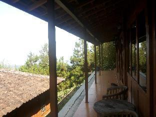 mountain wooden Villa lembang Bandung Kota