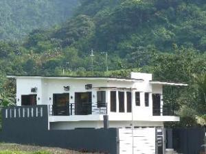 Spring De Laguna Private Resort