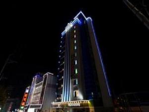 Tower Palace Tourist Hotel