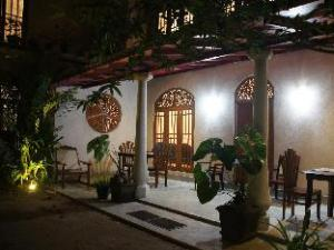 Srimalis Residence