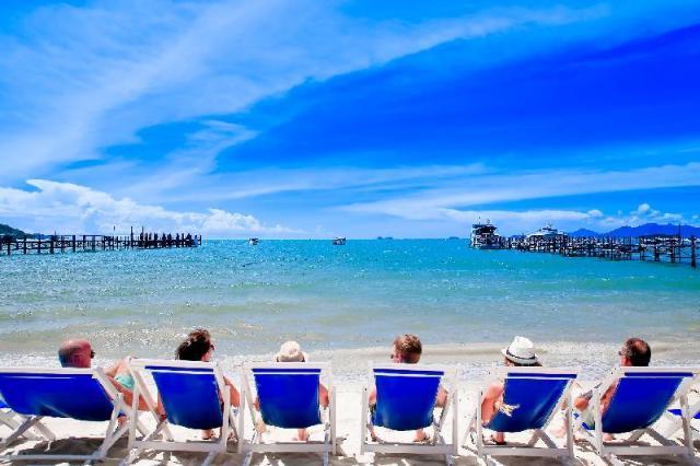 ปัณปรีดา บีช รีสอร์ท – Punnpreeda Beach Resort