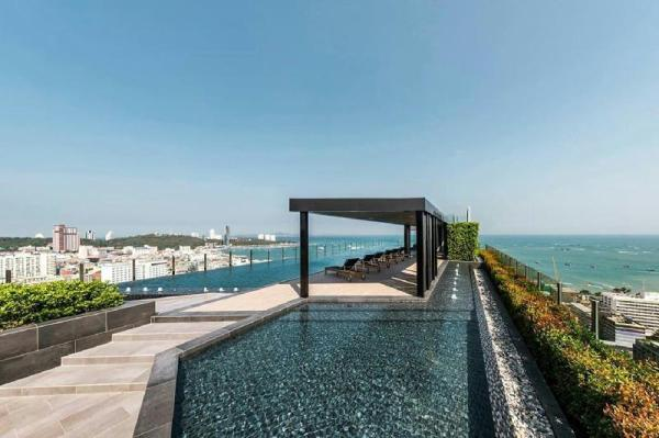 The Base Pattaya Beachfront Condo By junja Pattaya