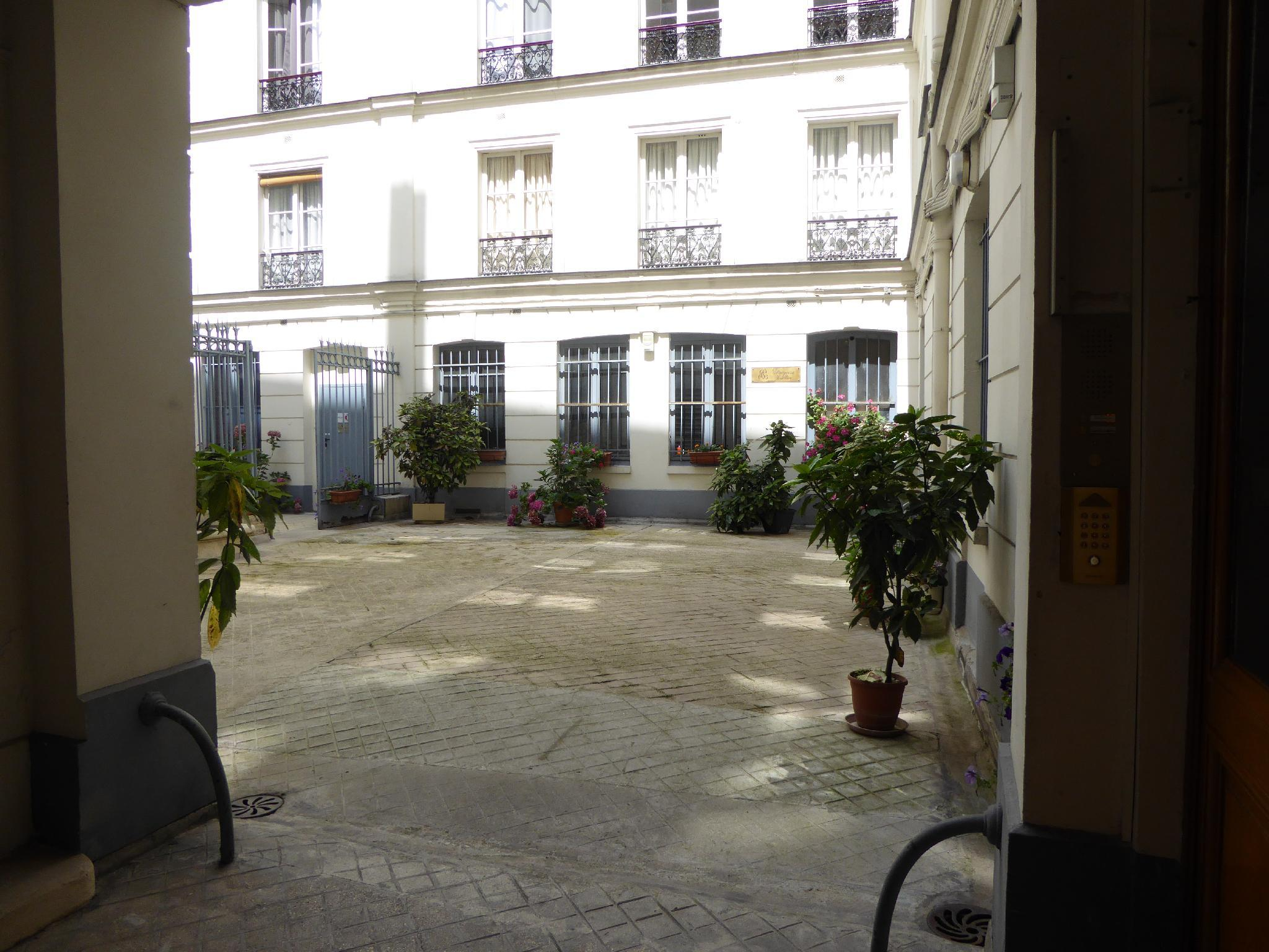 Residence Bergere   Apartments