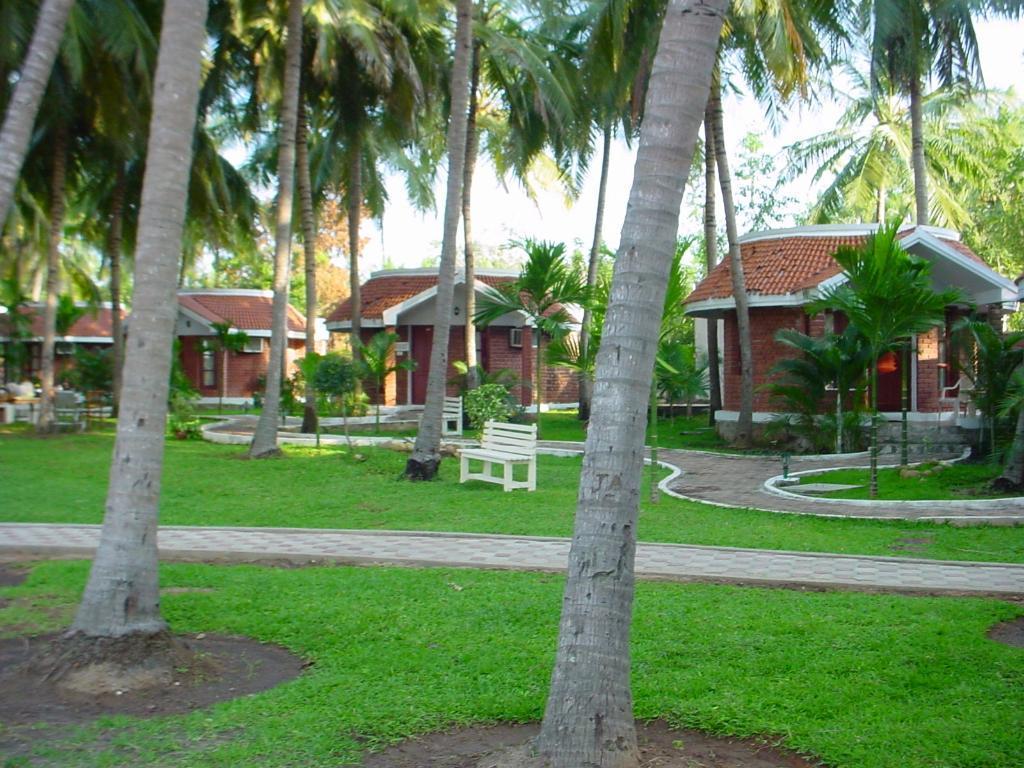 Green Coconut Resort ECR