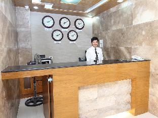 picture 3 of Crown Regency Courtyard Hotel