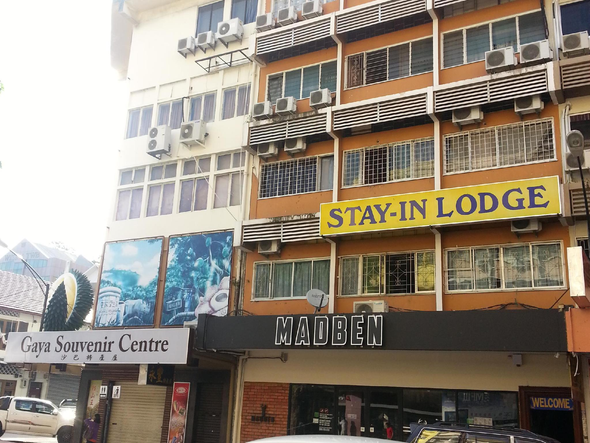 Stay In Lodge
