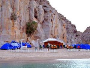 Khasab Musandam Dhow Cruise & Camping