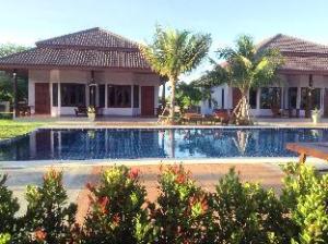 Waterside Resort