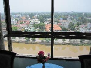 Diamond River Ping Petch-Ngam Hotel