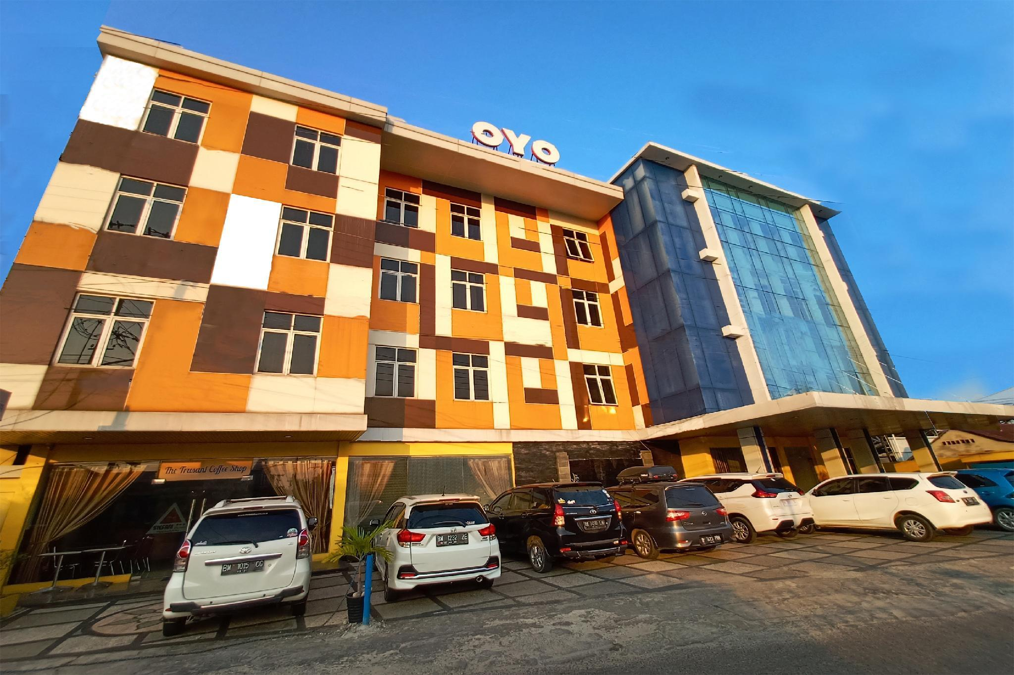 OYO 1161 Stefani City Hotel