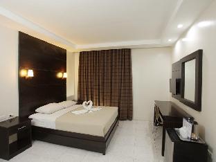 picture 2 of Grand Astoria Hotel