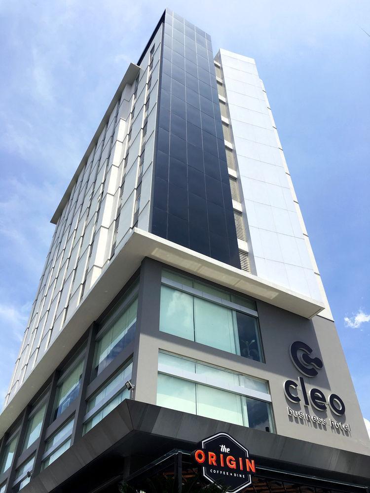Cleo Hotel Jemursari
