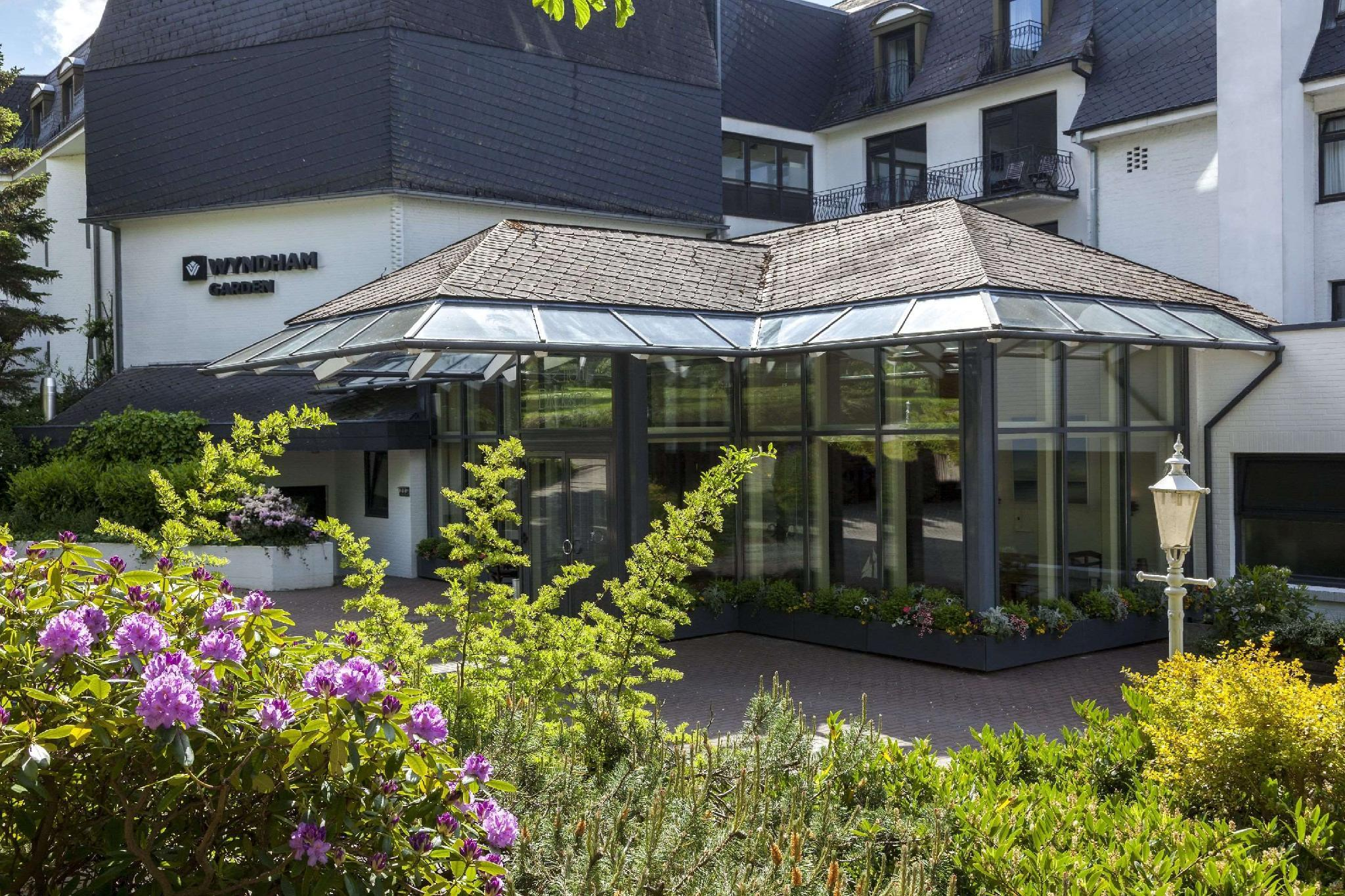 Hotel Dieksee   Collection By Ligula