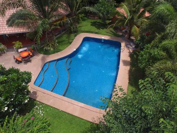 Two bedroom pool house with kitchen Chiang Mai