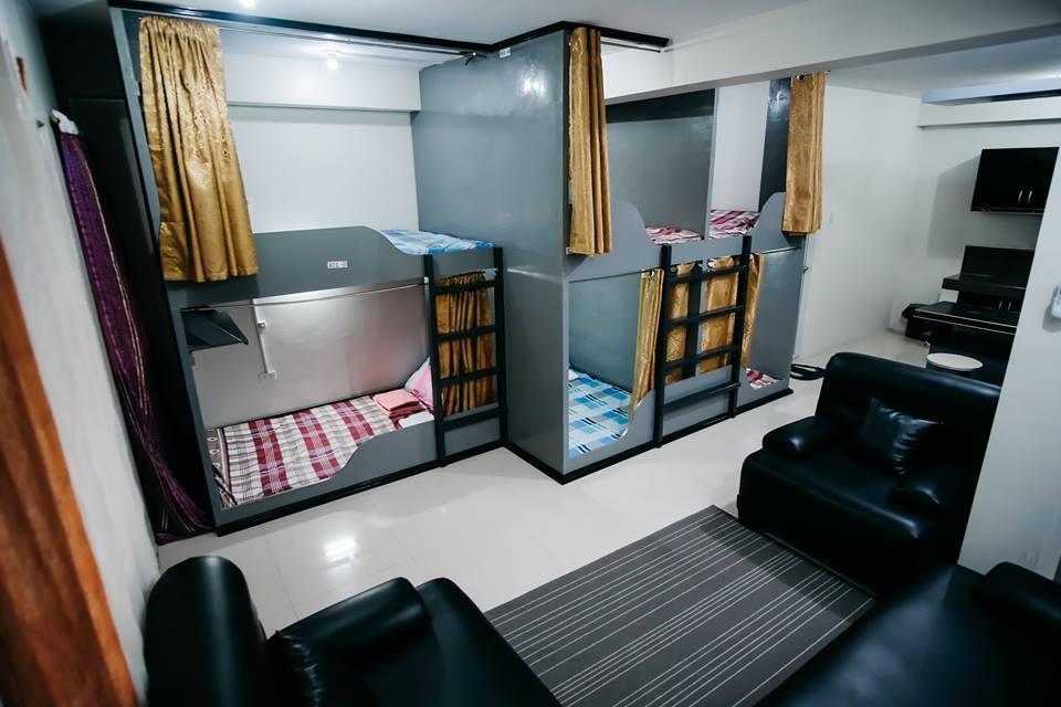 SLEEPADZ NAGA   Capsule Beds  Double