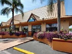 Days Inn Tampa West Of Busch Gardens Hotel