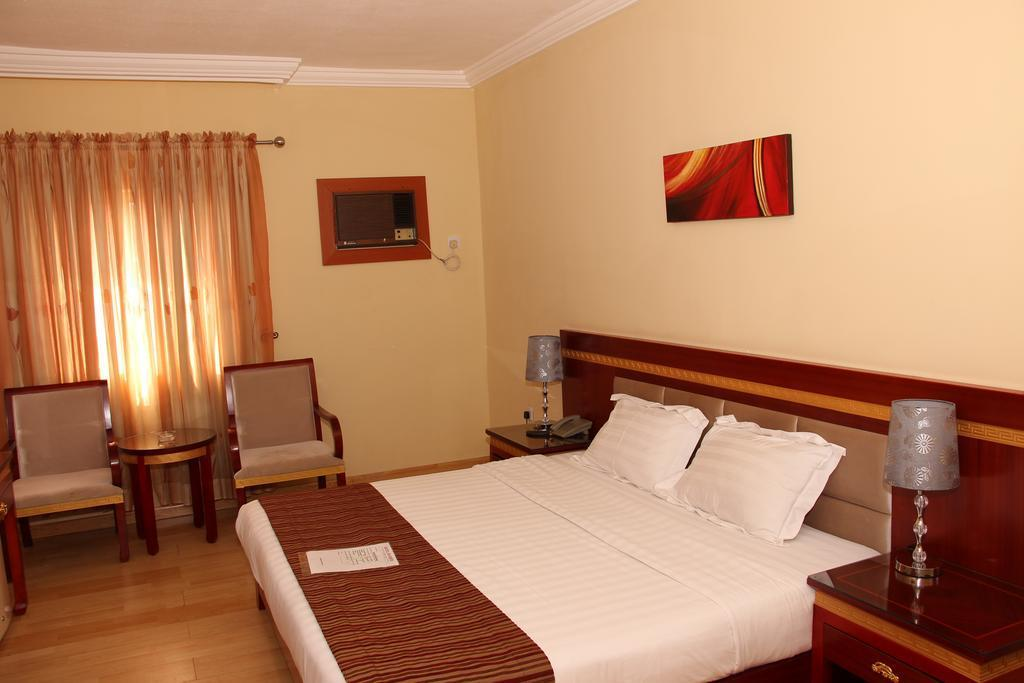 Hotel Rosebud