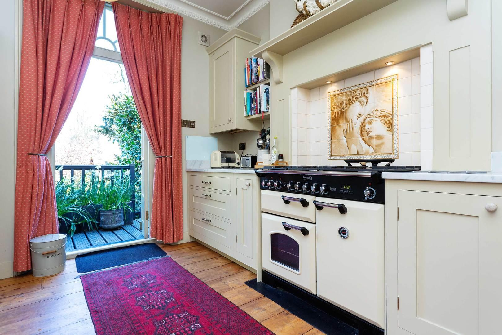 Hotels Review: Grand Canonbury Townhouse – Room Rates, Pictures and Deals