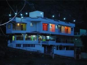 Amoeba Shivalik River Retreat