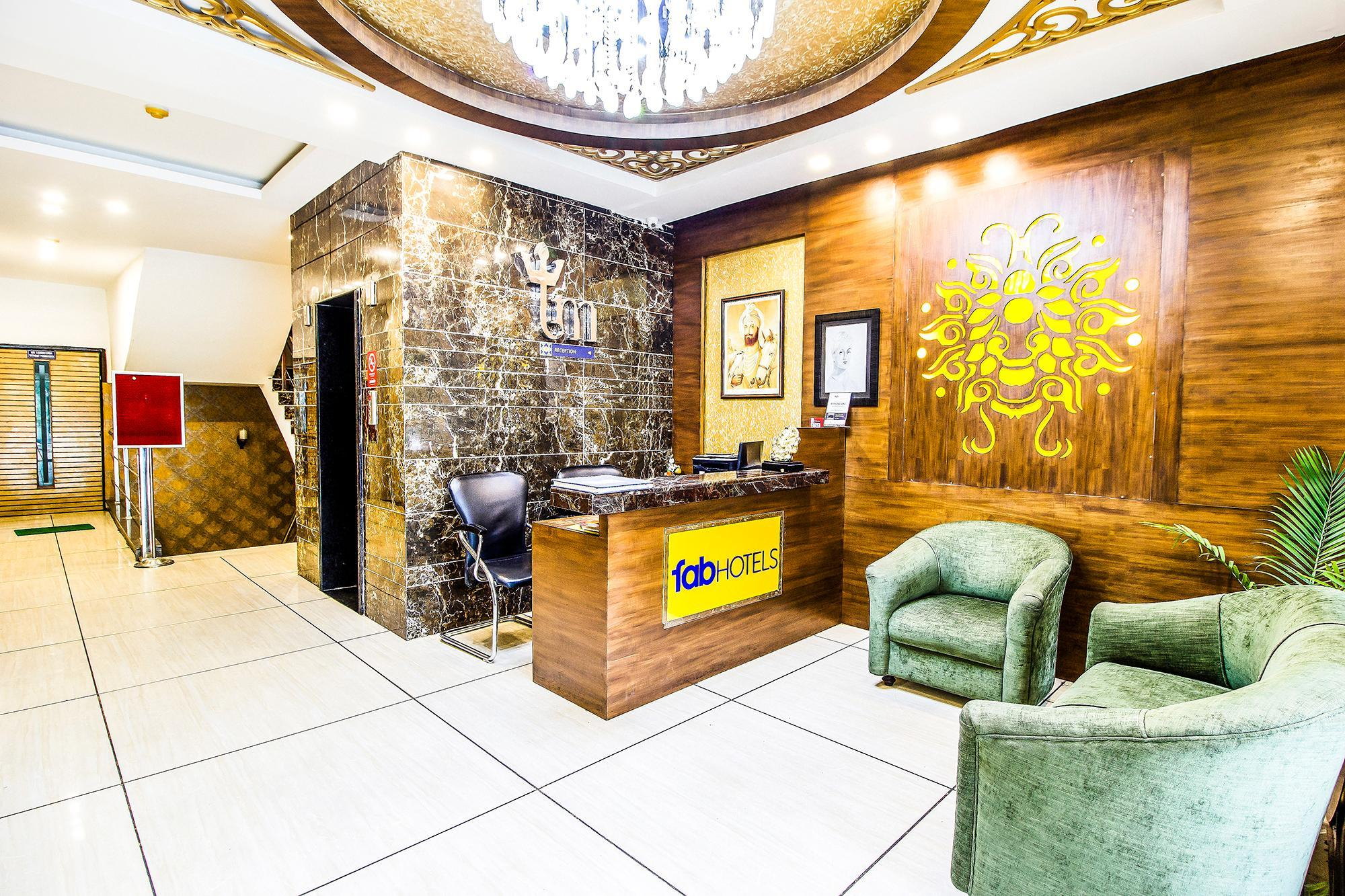 FabHotel Le Monarque Piccadily Chowk