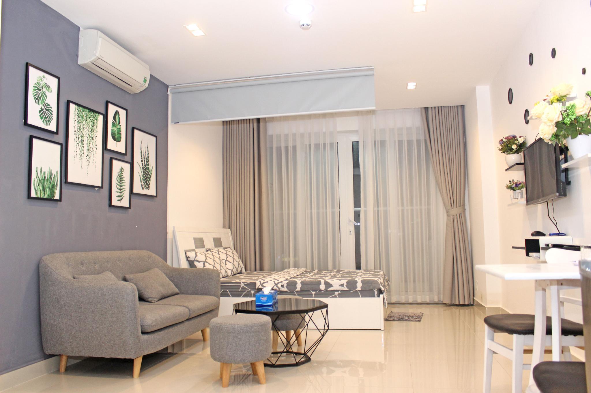 Apartment Sky Center Near Tan Son Nhat Airport