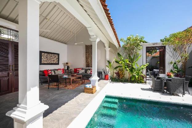 Villa Tahi | Walk to Double Six Beach