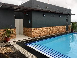 picture 5 of Unit 315 - Wifi, Rooftop Pool, Netflix & Chill