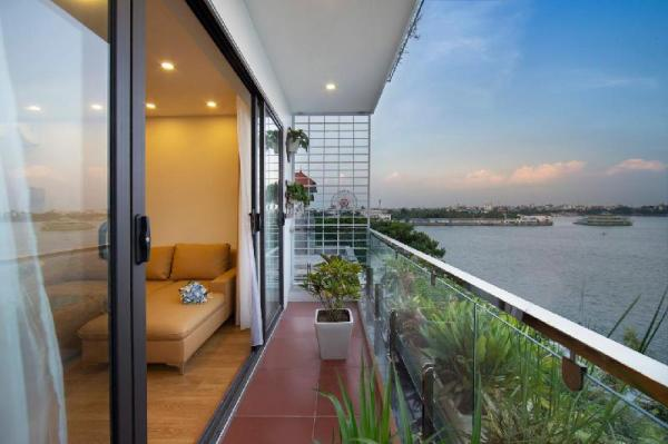 Beautiful&Spacious Studio with Lake View Hanoi