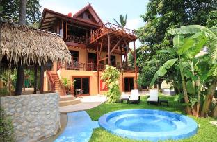 [ウォックトゥム]ヴィラ(400m2)| 7ベッドルーム/7バスルーム 7 Bedroom Sea Front Villa -  Koh Phangan