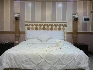 picture 2 of Hotel Trish