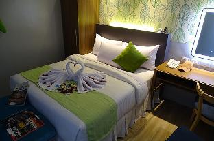picture 2 of Red Mango Suites