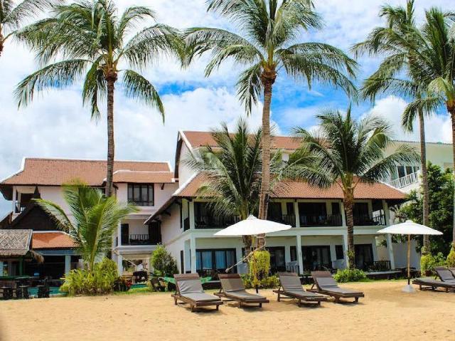 โรงแรมบ้านบ่อผุด บีช – Baan Bophut Beach Hotel