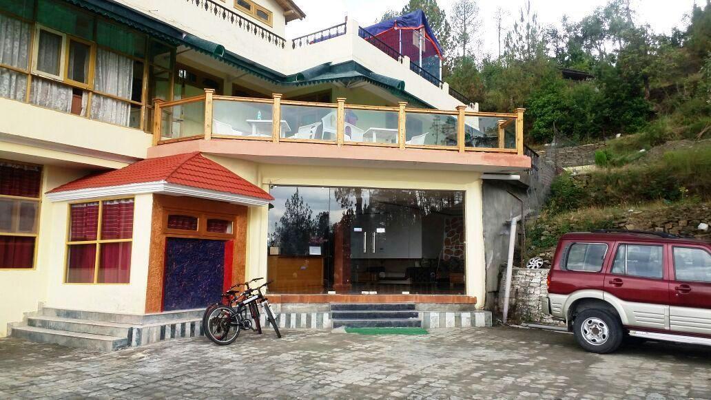 V Resorts Robinsson Palace Mukteshwar