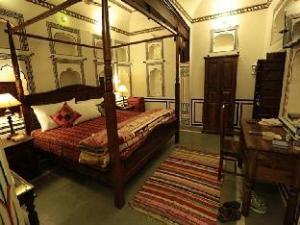 Radhika Haveli Hotel