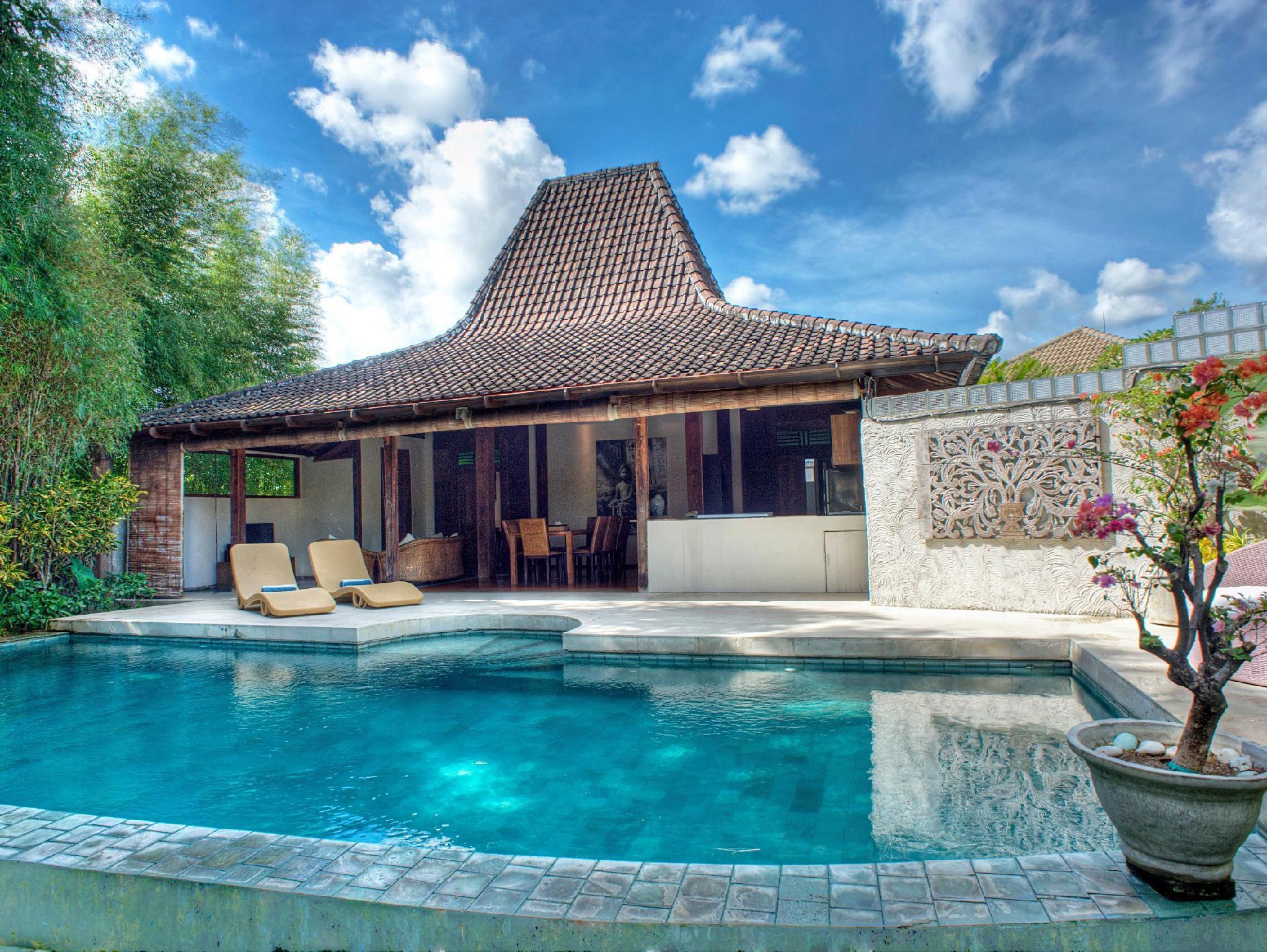 The Joglos Villa